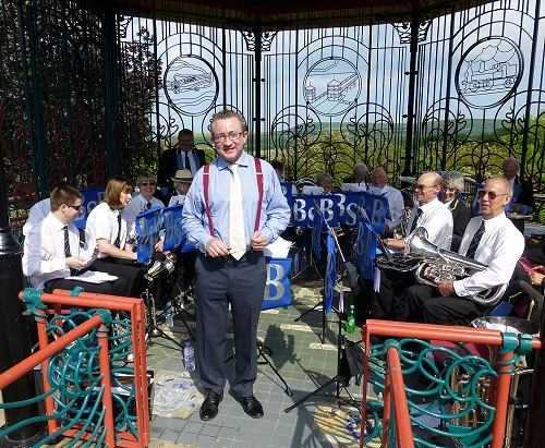 Damian takes a final bow with Bilsdale Silver Band at Saltburn Bandstand - click for a larger image